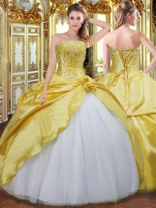 Cheap Floor Length Ball Gowns Sleeveless Gold Quinceanera Dresses Lace Up