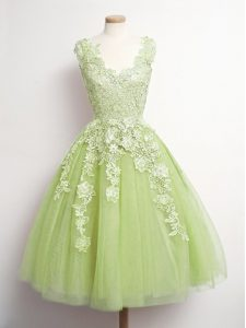Attractive Yellow Green A-line V-neck Sleeveless Tulle Knee Length Lace Up Appliques Dama Dress for Quinceanera