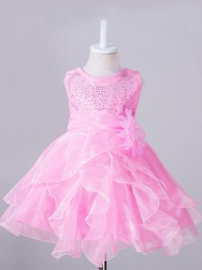 Stylish Rose Pink Organza Zipper Little Girl Pageant Gowns Sleeveless Knee Length Beading and Hand Made Flower
