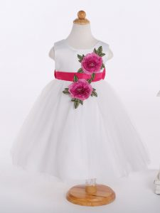 Ideal White Tulle Zipper Toddler Flower Girl Dress Sleeveless Knee Length Bowknot and Hand Made Flower