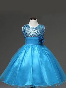 Baby Blue Tulle Zipper Scoop Sleeveless Knee Length Pageant Gowns For Girls Sequins and Hand Made Flower