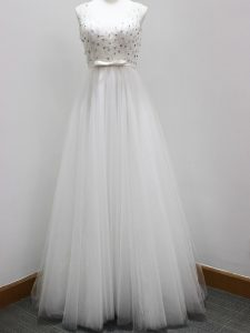 Great Sleeveless Beading and Belt Zipper Damas Dress with White Brush Train