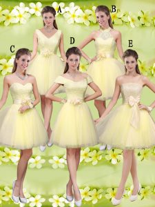 Knee Length Light Yellow Wedding Guest Dresses V-neck Sleeveless Lace Up