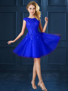 Best Selling Cap Sleeves Knee Length Lace and Belt Lace Up Dama Dress with Blue