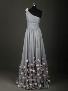 Grey Sleeveless Floor Length Pleated and Belt and Hand Made Flower Backless Prom Gown