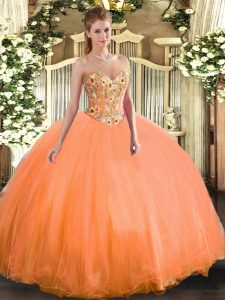 Unique Sweetheart Sleeveless Tulle Quince Ball Gowns Embroidery Lace Up