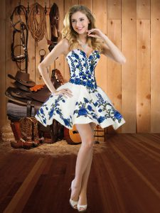 New Arrival Sweetheart Sleeveless Satin Dress for Prom Embroidery Lace Up