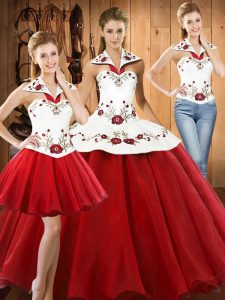 Wine Red Satin and Tulle Lace Up Vestidos de Quinceanera Sleeveless Floor Length Embroidery