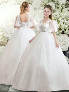 Fashionable Half Sleeves Floor Length Beading and Appliques Lace Up Wedding Gown with White