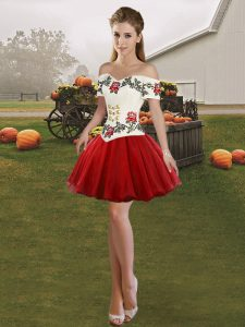 Sleeveless Embroidery Lace Up Homecoming Dress