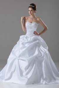 White Sleeveless Taffeta Brush Train Lace Up Wedding Dress for Wedding Party