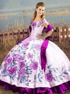 Customized Purple Ball Gowns Off The Shoulder Sleeveless Satin and Organza Floor Length Lace Up Embroidery Quinceanera Gowns