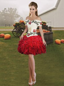 Sleeveless Mini Length Embroidery and Ruffles Lace Up Homecoming Gowns with Red