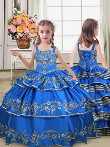 Floor Length Lace Up Little Girl Pageant Dress Royal Blue for Wedding Party with Embroidery and Ruffled Layers
