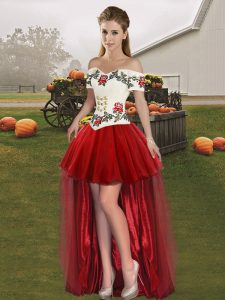 Graceful Off The Shoulder Sleeveless Lace Up Prom Dresses Wine Red Tulle