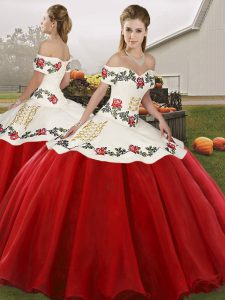Off The Shoulder Sleeveless Lace Up Quince Ball Gowns White And Red Organza