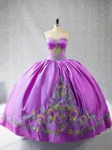 Elegant Lilac Satin Lace Up Sweetheart Sleeveless Quinceanera Gowns Embroidery