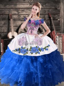 Satin and Organza Off The Shoulder Sleeveless Lace Up Appliques Vestidos de Quinceanera in Blue And White