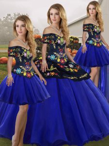 Custom Fit Royal Blue Lace Up Off The Shoulder Embroidery Quinceanera Gowns Tulle Sleeveless