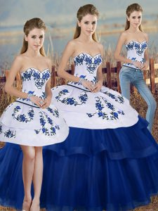 Fashionable Royal Blue Ball Gowns Sweetheart Sleeveless Tulle Floor Length Lace Up Embroidery and Bowknot Quinceanera Dress