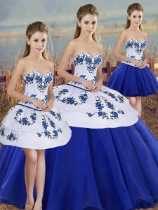 High Quality Sleeveless Tulle Floor Length Lace Up Sweet 16 Dress in Royal Blue with Embroidery and Bowknot