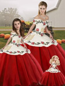Unique Organza Off The Shoulder Sleeveless Lace Up Embroidery Sweet 16 Dress in White And Red
