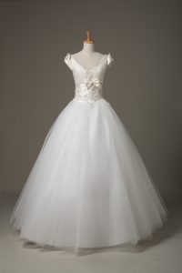 Short Sleeves Floor Length Beading and Appliques and Bowknot Lace Up Wedding Gowns with White