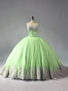 Sweetheart Sleeveless Tulle Quince Ball Gowns Beading and Appliques Court Train Lace Up