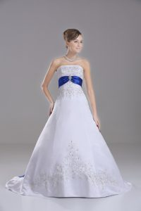 Affordable Brush Train Ball Gowns Wedding Gown White Strapless Satin Sleeveless Lace Up