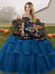 Sleeveless Embroidery and Ruffled Layers Lace Up Quinceanera Dresses with Blue And Black Brush Train