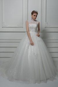 Spectacular White Lace Up Wedding Dress Beading and Lace and Bowknot Sleeveless Brush Train