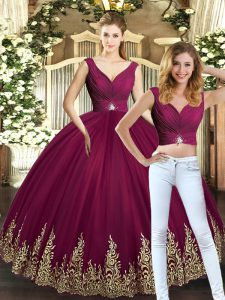 Unique Tulle V-neck Sleeveless Backless Beading and Appliques Sweet 16 Dress in Burgundy