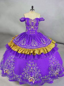 Sweet Sleeveless Satin Lace Up Quinceanera Gowns in Purple with Embroidery