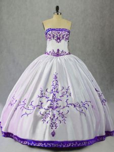 Sexy Scoop Sleeveless 15 Quinceanera Dress Floor Length Embroidery White And Purple Satin