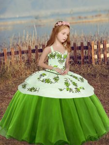 Customized Green Straps Lace Up Embroidery Pageant Gowns Sleeveless