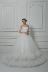 Custom Fit White Sleeveless Court Train Beading and Hand Made Flower Wedding Gown