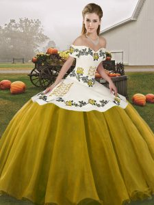 Pretty Brown Ball Gowns Off The Shoulder Sleeveless Organza Floor Length Lace Up Embroidery Sweet 16 Dresses