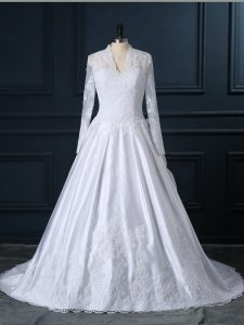 Luxurious Brush Train A-line Wedding Gown White V-neck Tulle Long Sleeves Clasp Handle