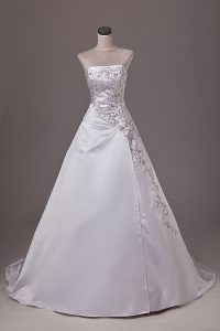 Dramatic Strapless Sleeveless Taffeta Wedding Dresses Embroidery Brush Train Lace Up