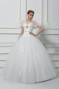 High End V-neck Short Sleeves Wedding Dresses Floor Length Beading and Appliques White Tulle