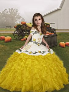 Floor Length Ball Gowns Sleeveless Gold Pageant Dresses Lace Up