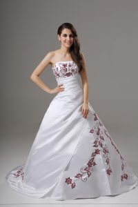 White Sleeveless Brush Train Embroidery Wedding Dress