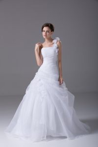 White Ball Gowns Organza One Shoulder Sleeveless Hand Made Flower Lace Up Wedding Gowns Brush Train