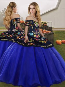 Trendy Royal Blue Ball Gowns Off The Shoulder Sleeveless Tulle Floor Length Lace Up Embroidery Quinceanera Gown