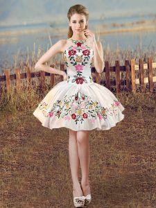 Most Popular Satin Scoop Sleeveless Lace Up Embroidery Homecoming Dress in White