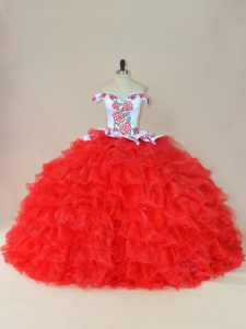 Sleeveless Embroidery and Ruffles Lace Up Quinceanera Dresses with White And Red Brush Train