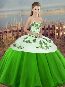 Customized Green Sweetheart Neckline Embroidery and Bowknot Quinceanera Gowns Sleeveless Lace Up
