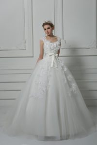 Discount White V-neck Lace Up Lace and Appliques and Belt and Hand Made Flower Wedding Dress Brush Train Sleeveless