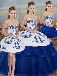 Romantic Sweetheart Sleeveless Tulle Quinceanera Dresses Embroidery and Bowknot Lace Up
