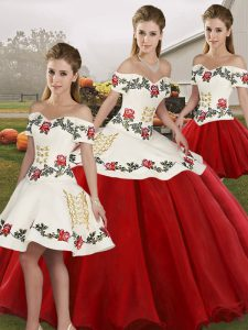 Exquisite White And Red Organza Lace Up Off The Shoulder Sleeveless Floor Length Quinceanera Dresses Embroidery